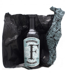 Ferdinand's Saar Dry Gin Schiefer Riesling Infused avec papier ouvert